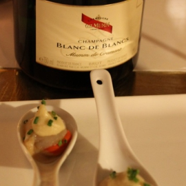 HOW TO ACCOMPANY CHAMPAGNE WITH THE ENTIRE MEAL?